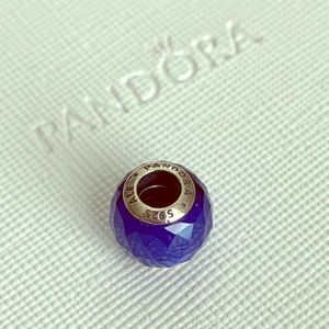 PANDORA GEOMETRIC FACET CRYSTAL CHARM BLUE